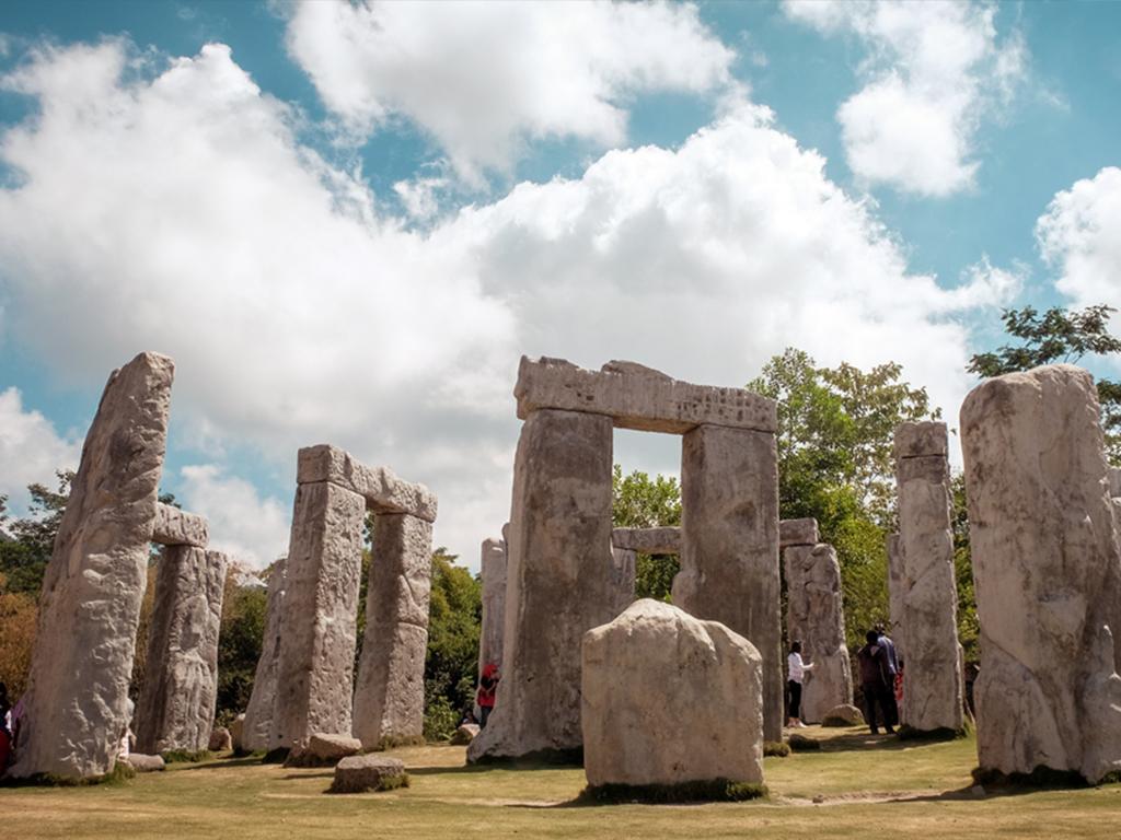 stonehenge-cangkringan