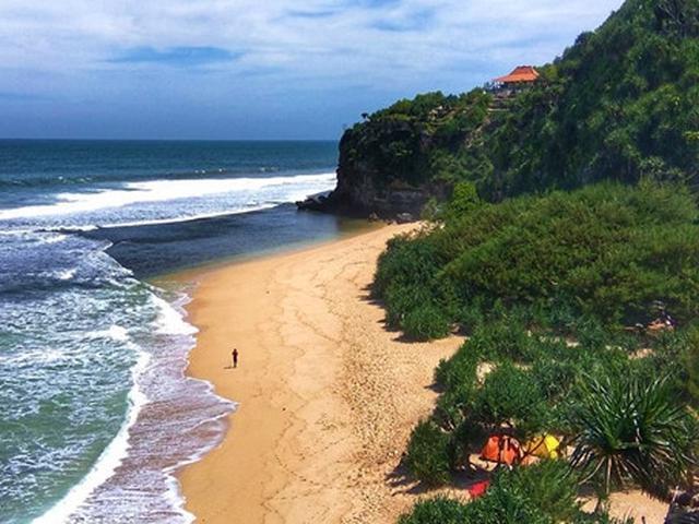 Wisata Pantai Sanglen